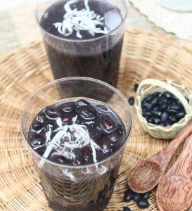 Sử dụng đỗ đen để nấu chè hay chế biến các món ăn hàng ngày có tác dụng tích cực đối với sức khỏe