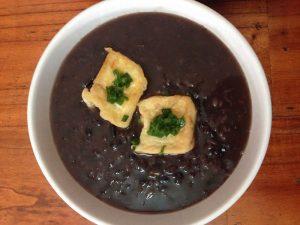 Cháo đỗ đen - món ăn dễ ăn và tốt cho sức khỏe