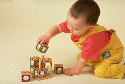 Đồ chơi giáo dục giúp trẻ phát triển toàn diện về nhận thức và kĩ năng