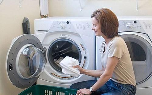 Lựa chọn lượng nước phù hợp để tiết kiệm điện năng cho máy giặt