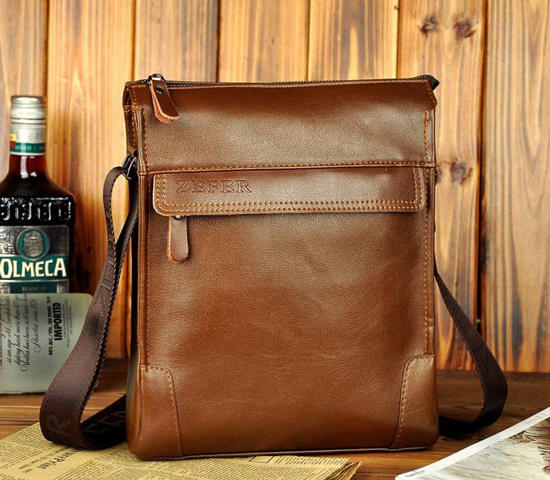 Túi xách đeo chéo da thật thường làm từ da bò, có độ đàn hồi, chịu lực cao.