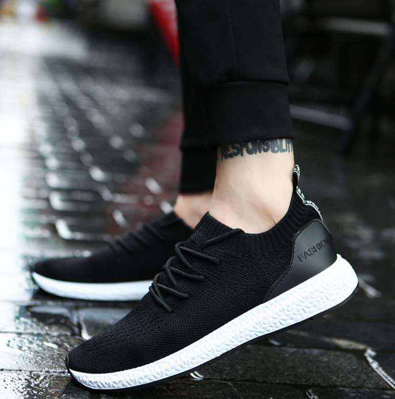 Size giày thể thao nên chọn lớn hơn size giày đi thường ngày