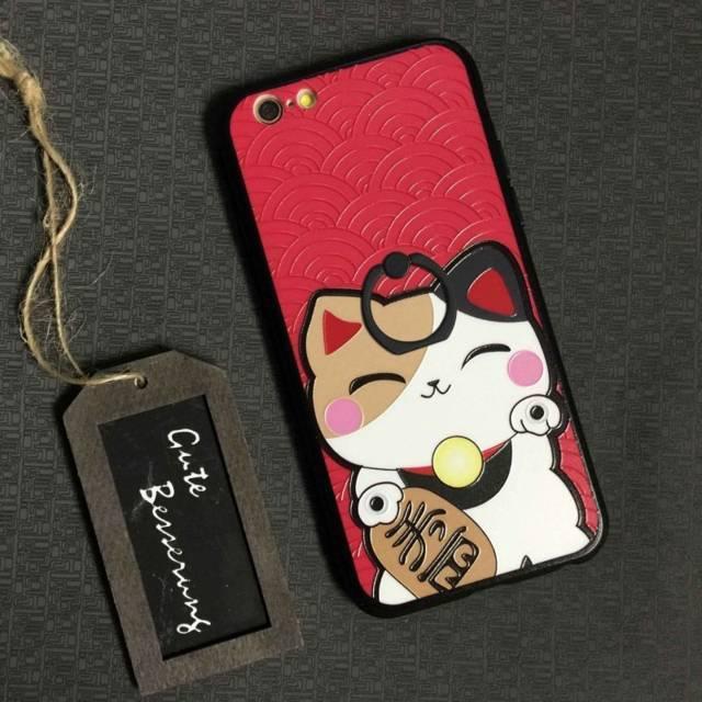 Ốp điện thoại với họa tiết mèo thần tài nổi