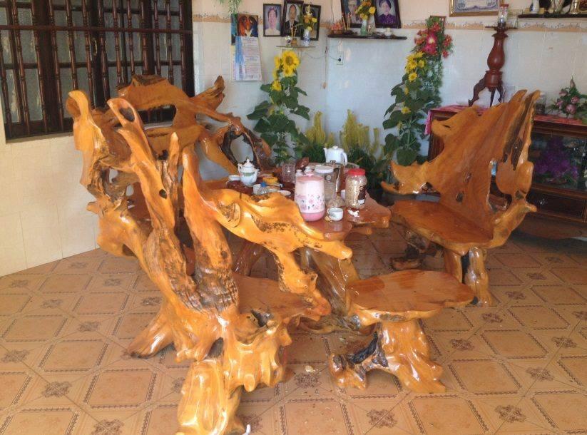 Bộ bàn ghế gỗ trao vàng thiết kế đơn giản đẹp