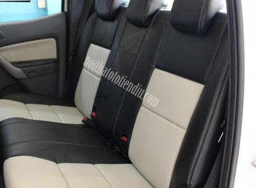 Bọc ghế da xe Ford Transit không chỉ nâng tầm phong cách không gian nội thất của xe mà còn giúp bạn cảm thấy thoải mái khi điều khiển xe